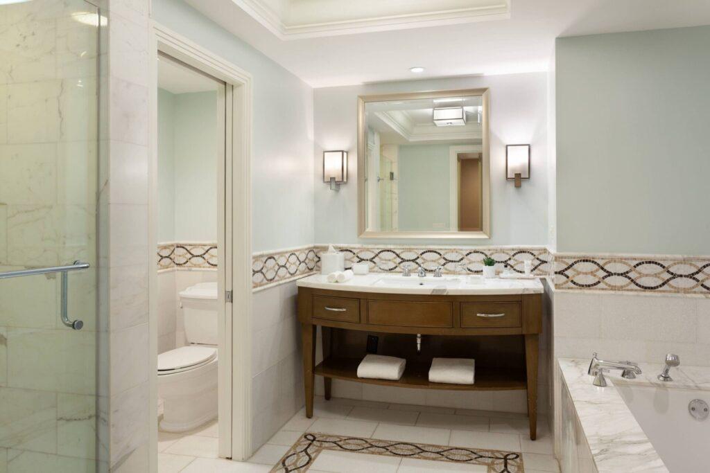 Turnberry Room Bathroom